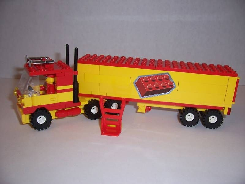 LEGO   SEMI TRUCK w/ TRAILER & Minifig (Yellow & Red)